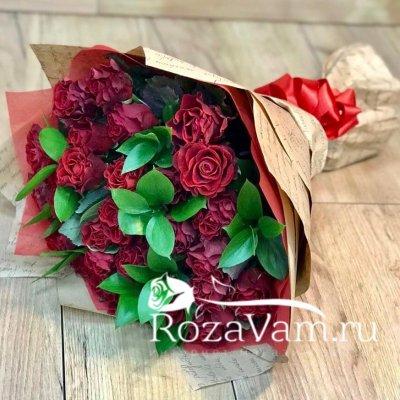 Букет из 29 алых роз (50 см)  + зелень