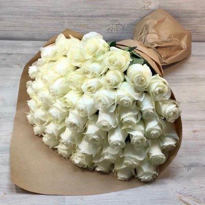 Букет из 51 белой  розы эквадор (50 см)
